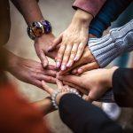 תקשור על שינויים וחברות פנימית